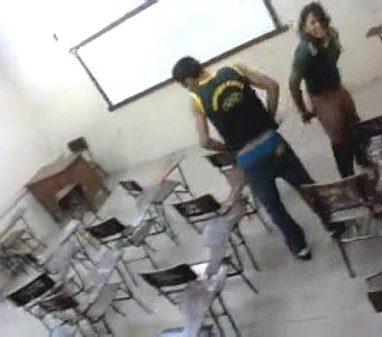 Sexo na escola com novinha gostosa e bem safadinha - Manaus - AM